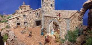 privat:-lluis-brias,-palafrugellenc-de-l'any,-exposa-els-seus-pessebres-al-museu-del-suro-i-al-teatre-municipal
