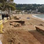 La platja de Llafranc després del temporal glòria