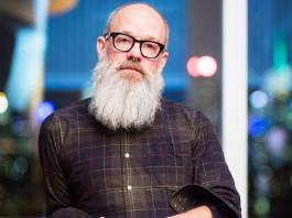 michael-stipe-estrena-des-del-confinament-'no-time-for-love-like-now'