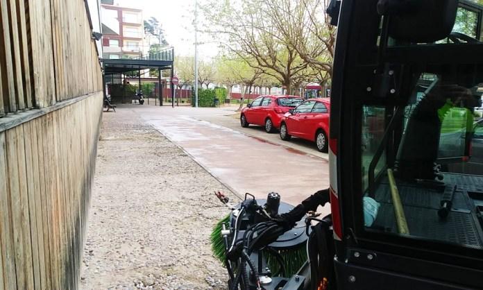 Sant Feliu desinfecta els carrers del poble pel coronavirus - Imatge de l'Ajuntament