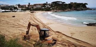 La Platja de la Fosca de Palamós preparant-se pel desconfinament | Imatge de Ràdio Palamós | Platges de palamós