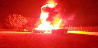 Contenidors al camp de futbol de Calonge en un incendi | Imatge de Marta Rodriguez Font