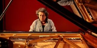 Concert Elisabeth Leonskaja, piano. Obra de L. Van Beethoven: Sonata núm. 17, Op. 2 'La tempesta'. - © Carlota Carlota · Festival de Torroella 2013