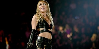 miley-cyrus-anuncia-les-collaboracions-del-seu-disc-de-versions-de-metallica