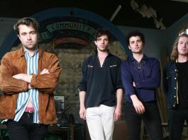 the-vaccines-versionen-queens-of-the-stone-age-amb-'no-one-knows'
