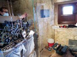 privat:-recolloquen-i-ajusten-el-rellotge-mecanic-de-la-torre-de-les-hores-de-peratallada