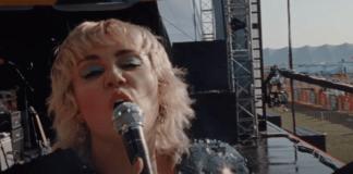 miley-cyrus-presenta-el-video-de-'angels-like-you'