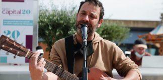 mazoni a la inauguració dels estudis de Ràdio Capital