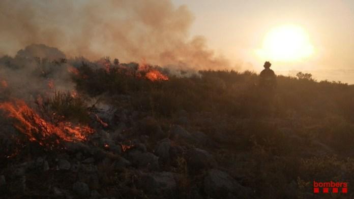 Incendi al massís del Montgrí - Imatge dels Bombers