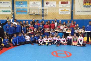 11 Medallas para los deportistas cartayeros en el Campeonato de Andalucía de Lucha
