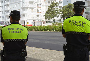Agente de la Policía Local herido leve tras verse envuelto en un siniestro en El Rompido