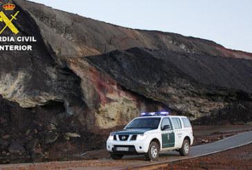 Almonaster la Real   La Guardia Civil ha detenido a un varón que hurtó las baterías de un refugio minero