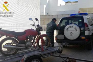 Galaroza | La Guardia Civil halla en la inspección de una finca útiles prohibidos para la caza y una motocicleta robada
