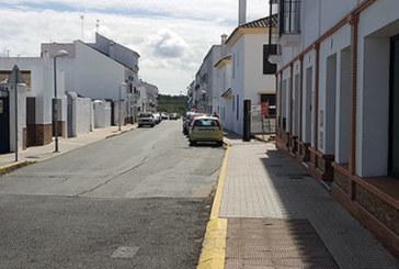 La Policía Local detiene a un conductor que triplica la tasa de alcoholemia y arremete contra varios vehículos estacionados