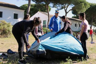 Los/as alumnos/as del IES Rafael Reyes cierran su I Jornada de Vida Sana en el pinar cartayero