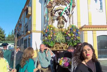Reportaje | Los cartayeros arropan a San Isidro en su procesión de traslado a la parroquia