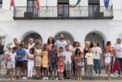 Cartaya Tv   Recepción municipal para los 14 menores saharauis que pasan el verano en Cartaya