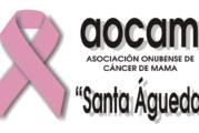 Cadena humana en Huelva en contra del cáncer de mama