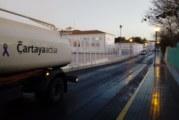El Ayuntamiento de Cartaya continúa la desinfección permanente de la localidad con la colaboración de los agricultores