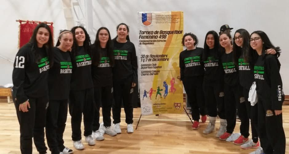 Deportes Castro en diversas instancias con la rama femenina