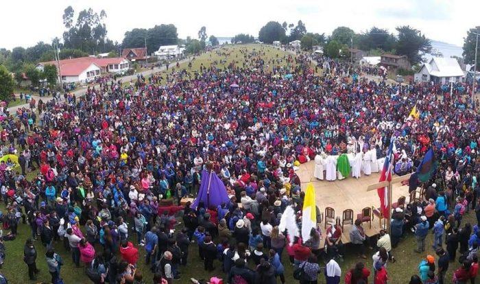 Quinchao: masiva concurrencia de fieles a la isla de la devoción.