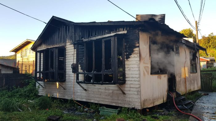 Quellón: incendio destruyó una vivienda.