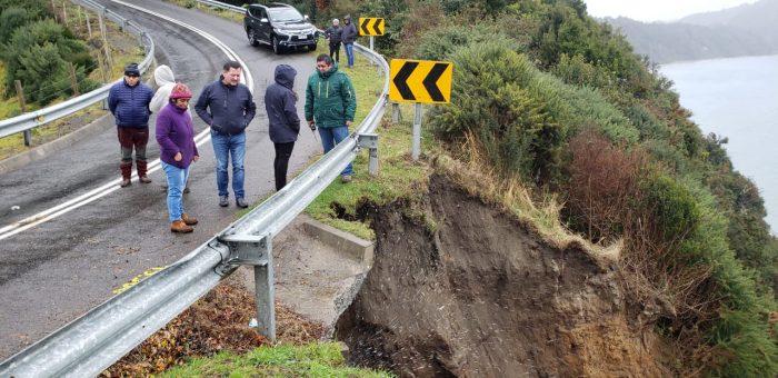 Puqueldón: comunidad preocupada ante inminente colapso de la vía a Detif.