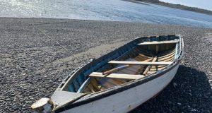 Palena: continúan labores de búsqueda de pescador artesanal que cayó al mar en Islas Desertores.