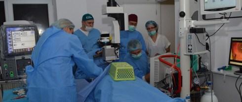 Operaţie de endoscopie oculară