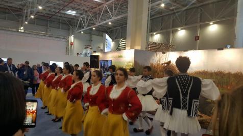 """Ansamblul de dansuri grecești """"Artemis"""" din Sulina"""