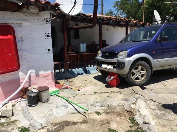 Ορεστιάδα:Αυτοκίνητο βούτηξε σε αυλή στη Ζαρίφη
