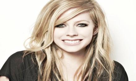 Avril Lavigne, auguri di buon compleanno.