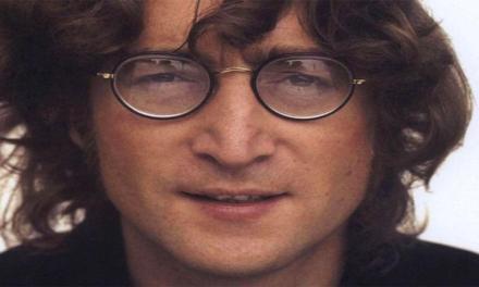 Oggi 9 ottobre John Lennon avrebbe compiuto 77 anni.