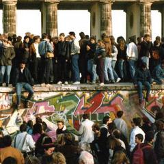 Trent'anni fa la caduta del muro di Berlino