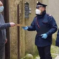 """L'iniziativa: ora i carabinieri fanno i """"postini"""" per le pensioni"""