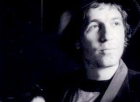 Trentanove anni fa moriva Rino Gaetano, un grande innovatore della musica italiana