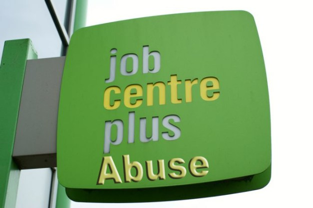 job-centre-plus-sign-696x463