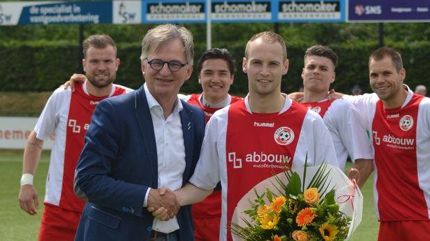 Frank Strijker 200 wedstrijden in HZVV 1