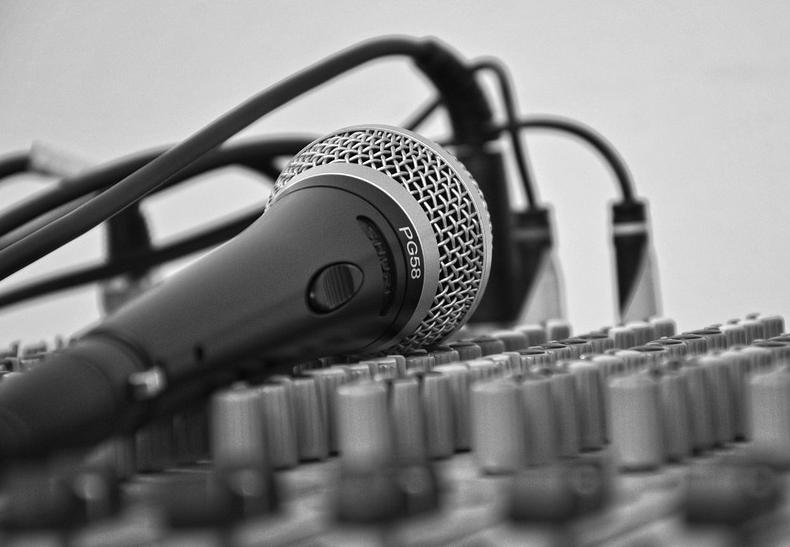 RegioRadio met Michelle Kroezen en Jeroen Oelen.