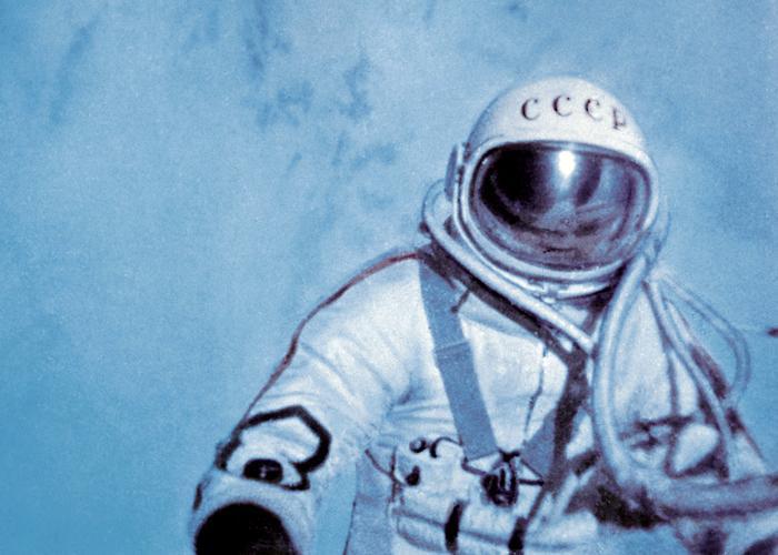 Radiokaøs #55 – La prima passeggiata spaziale
