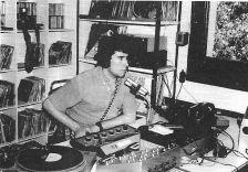Xavier Boix als nous estudis de Ràdio Les Planes