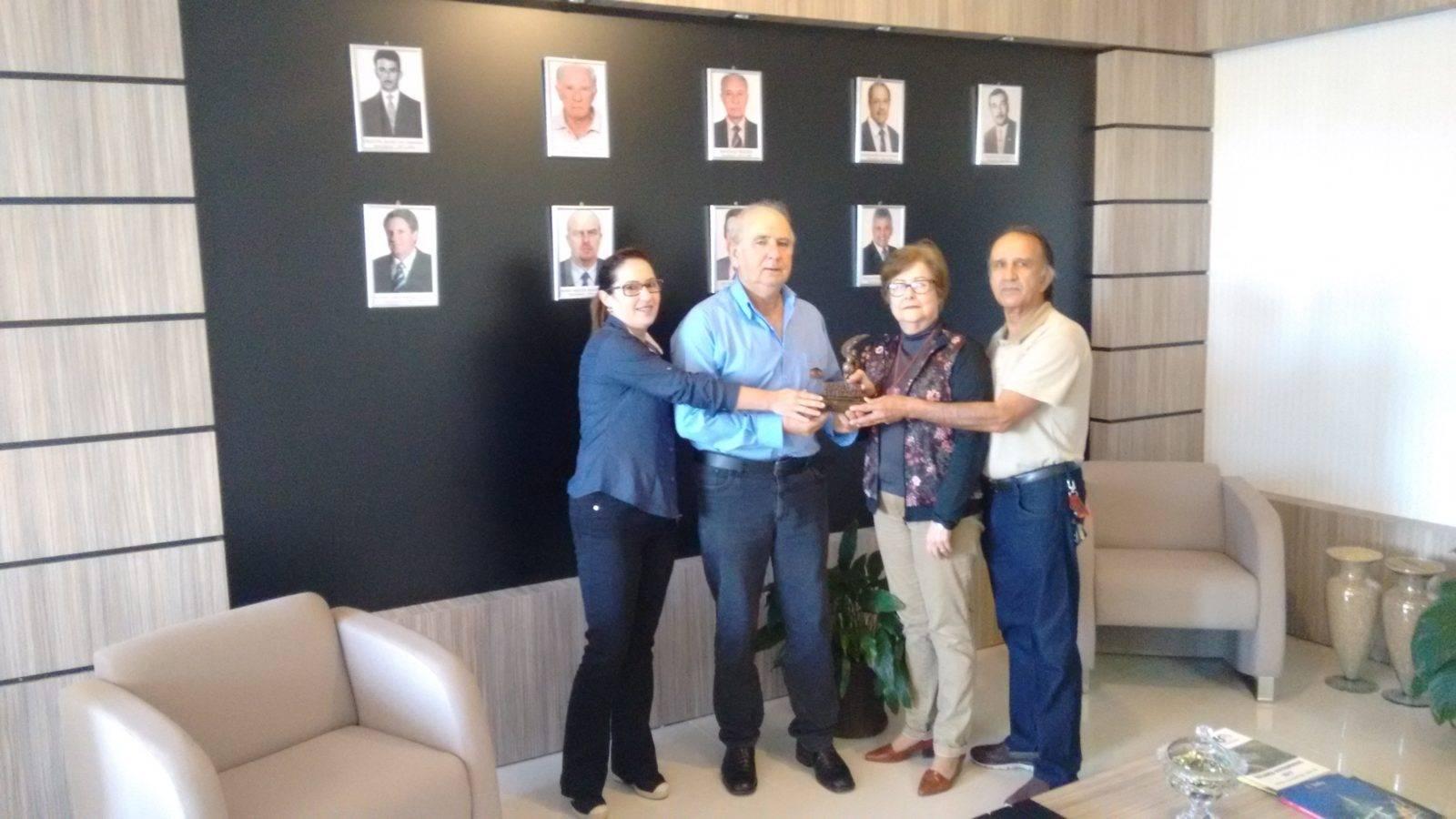 Coopatrigo recebe homenagem do Sindilojas