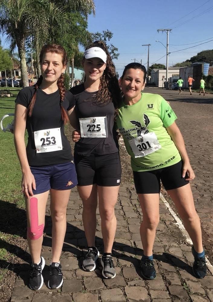 Meia-maratonistas de Roque conquistam podium, em Santiago