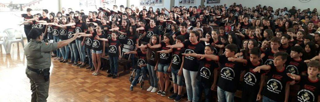 Brigada Militar forma nova turma do Proerd hoje em São Luiz Gonzaga