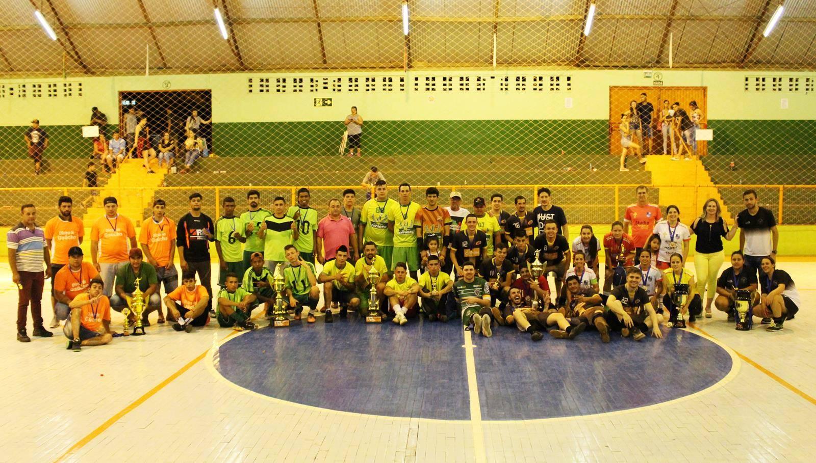 Aranhas da Bola e Boleiras venceram o Campeonato Municipal de Futsal de São Luiz Gonzaga