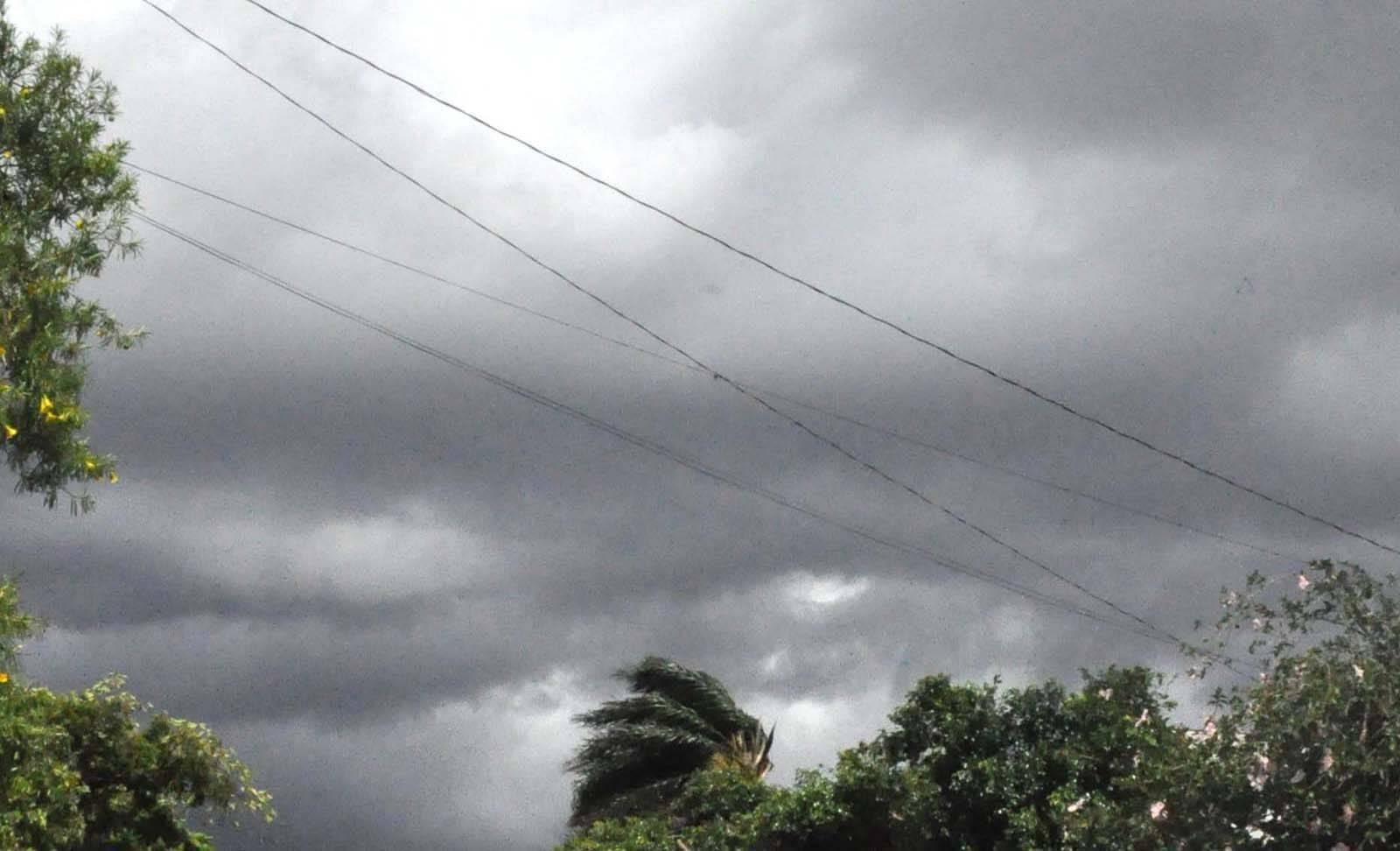 Semana começa com tempo nublado