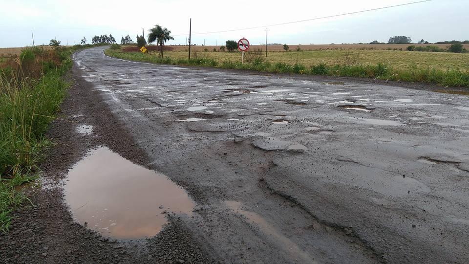 Estradas esburacadas, obras inacabadas e municípios sem acesso: o que espera o novo secretário de transportes