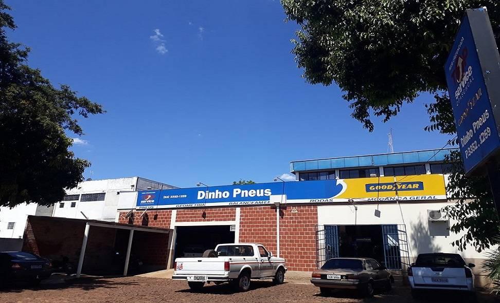 Relação de amizade com clientela garante sucesso à Dinho Pneus, que completa 10 anos no mercado