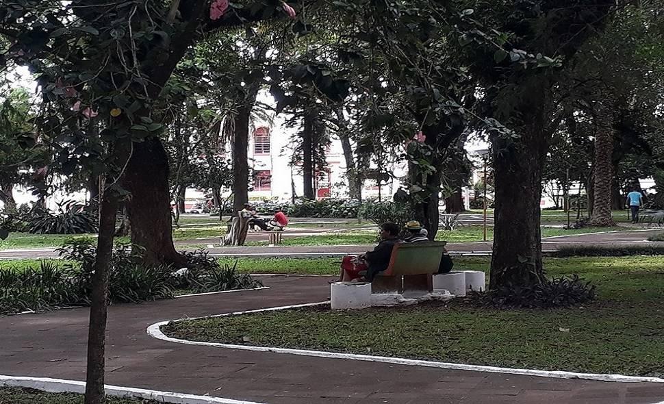 Equipe de ação social conseguiu convencer parte de ocupantes da praça a passarem por tratamento