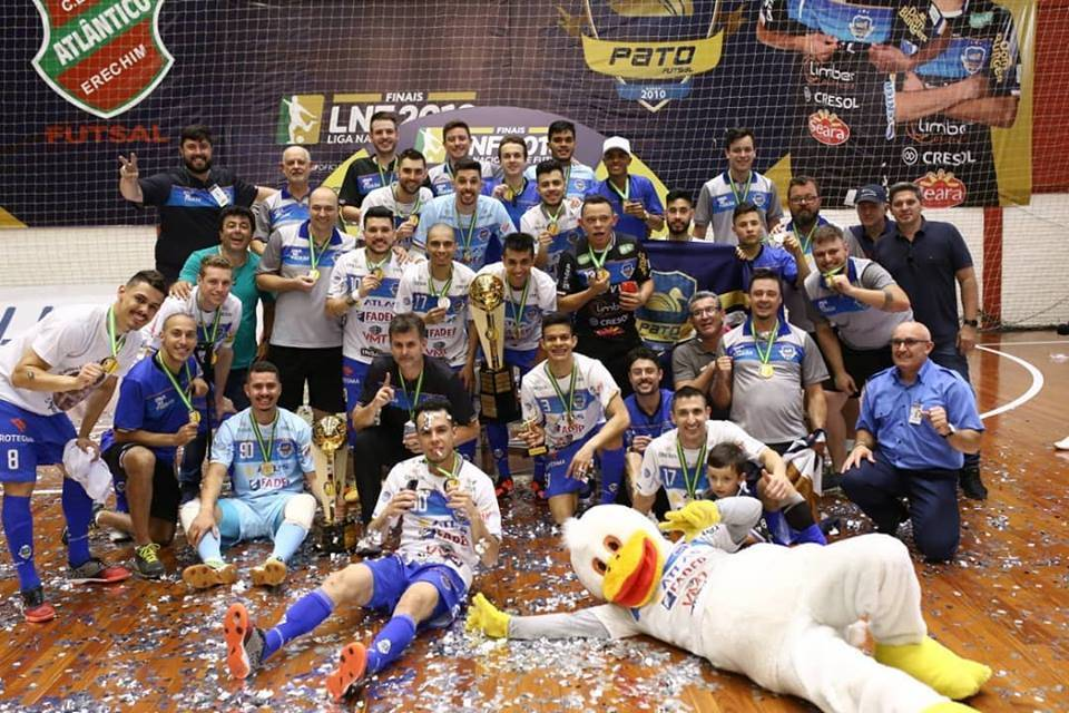 Com gol do são-luizense Di Maria, Pato vence a Liga Nacional de Futsal